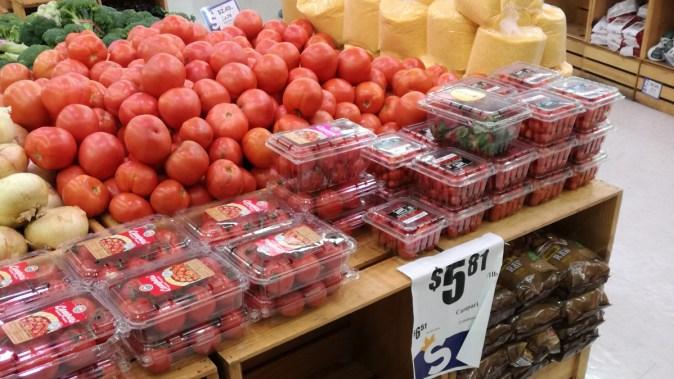 Prețurile din supermarket nu sunt tocmai îmbietoare. FOTO Cătălin Schipor