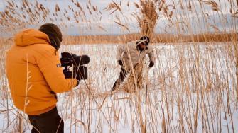 Charlie Ottley realizează un documentar în Delta Dunării