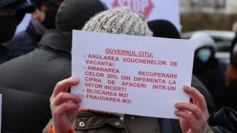 Protest al industriei turistice ]mpotriva neacordării voucherelor de vacanță. FOTO Adrian Boioglu