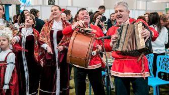 """Ruși lipoveni din Tulcea sărbătoresc duminică, 14 martie, """"Ziua Iertării"""", ultima zi din """"Maslenița"""", la Cetatea Enisala"""