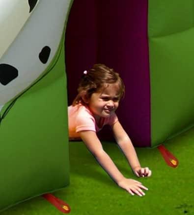 Gioco Gonfiabile Cucciolandia scivolo e saltarello salta salta in vendita online offerta casa giardino