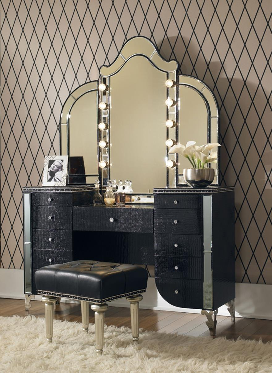 Bedroom Vanity Set With Lights Around Mirror 29