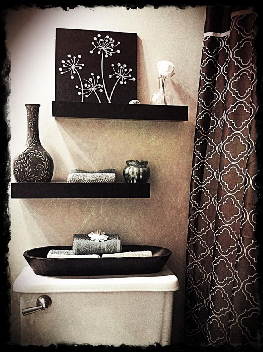 Best Bathroom Art Ideas For Your Sweet Bathroom 15