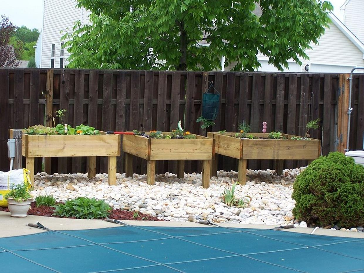 Easy Vegetable Gardening With Pallets 32