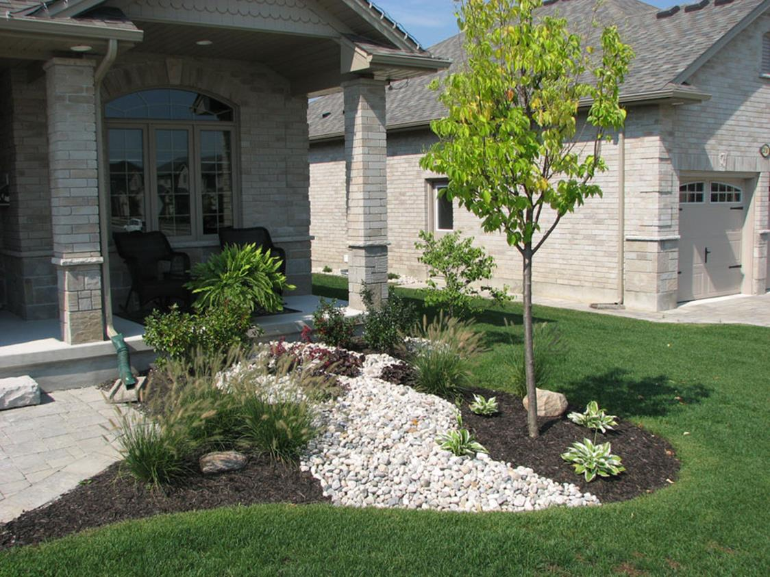 Landscaping Ideas With Rocks And Mulch 10