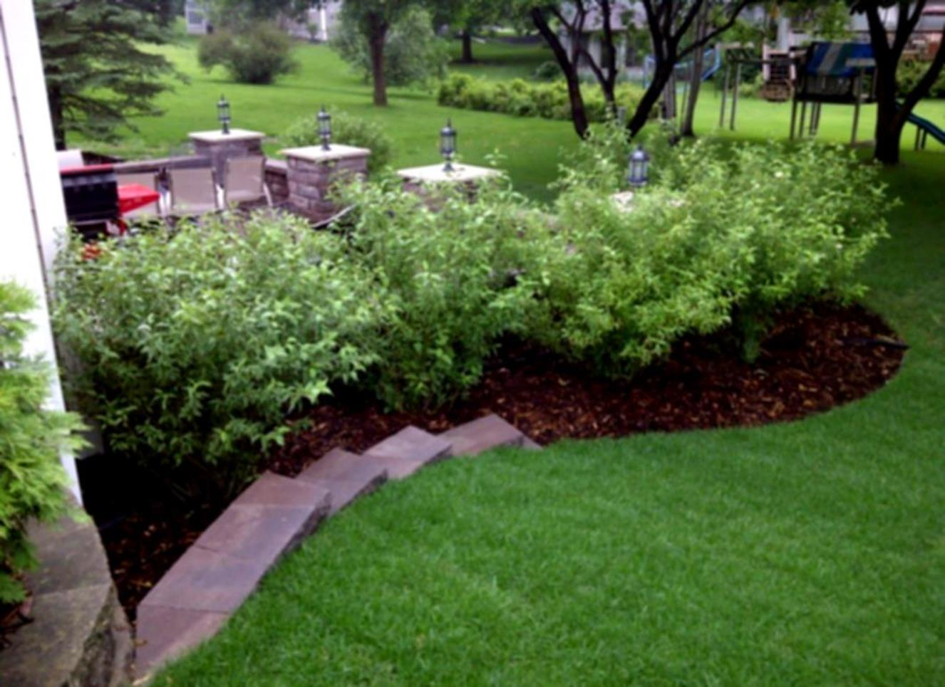 Landscaping Ideas With Rocks And Mulch 32