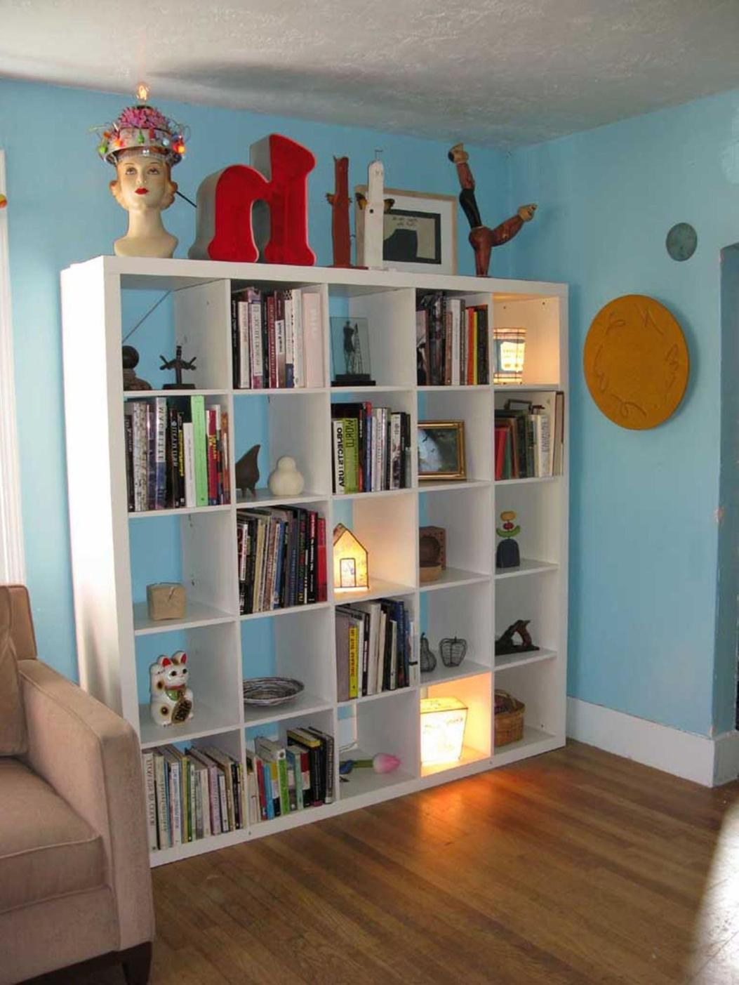 Perfect Bookshelves For Small Spaces and Decor Ideas 33