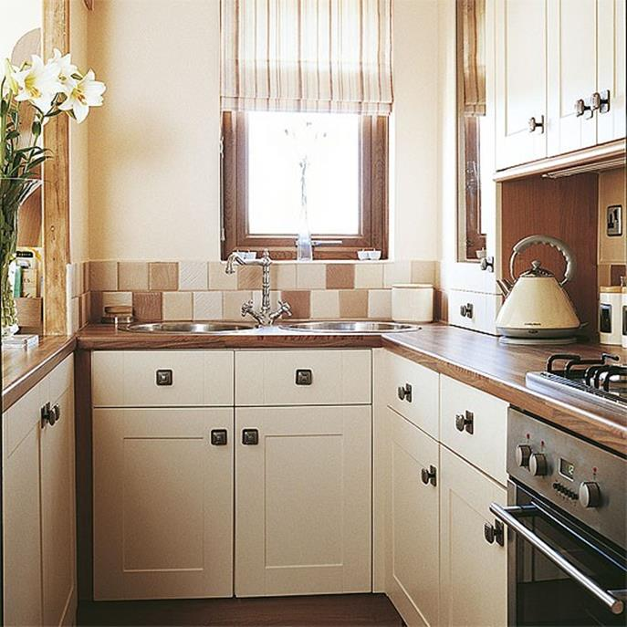Small Country Kitchens Design and Decor Ideas 23