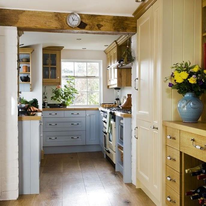 Small Country Kitchens Design and Decor Ideas 5