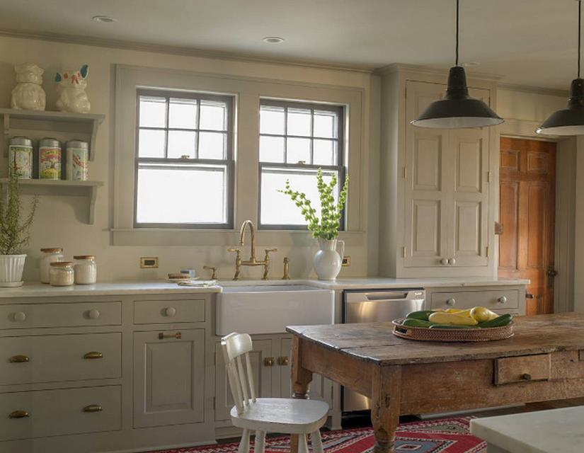 Traditional Farmhouse Interior and Exterior Colors Ideas 1