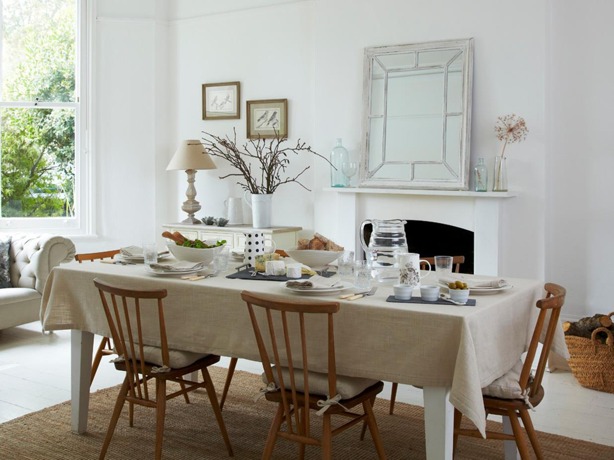 Farmhouse Dining Room Decorating Ideas 41