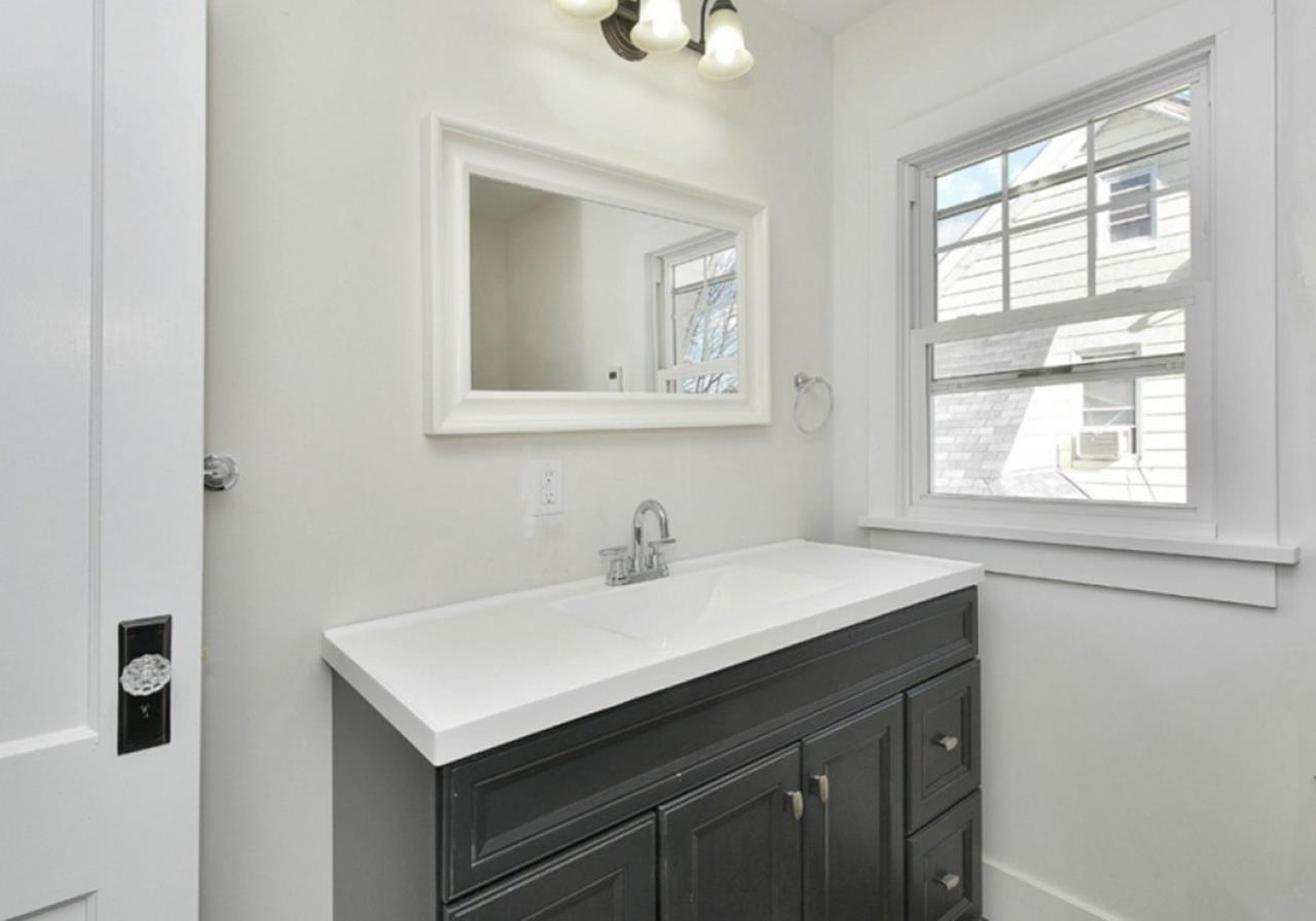 Gray Half Bathroom Decorating Ideas On A Budget 34