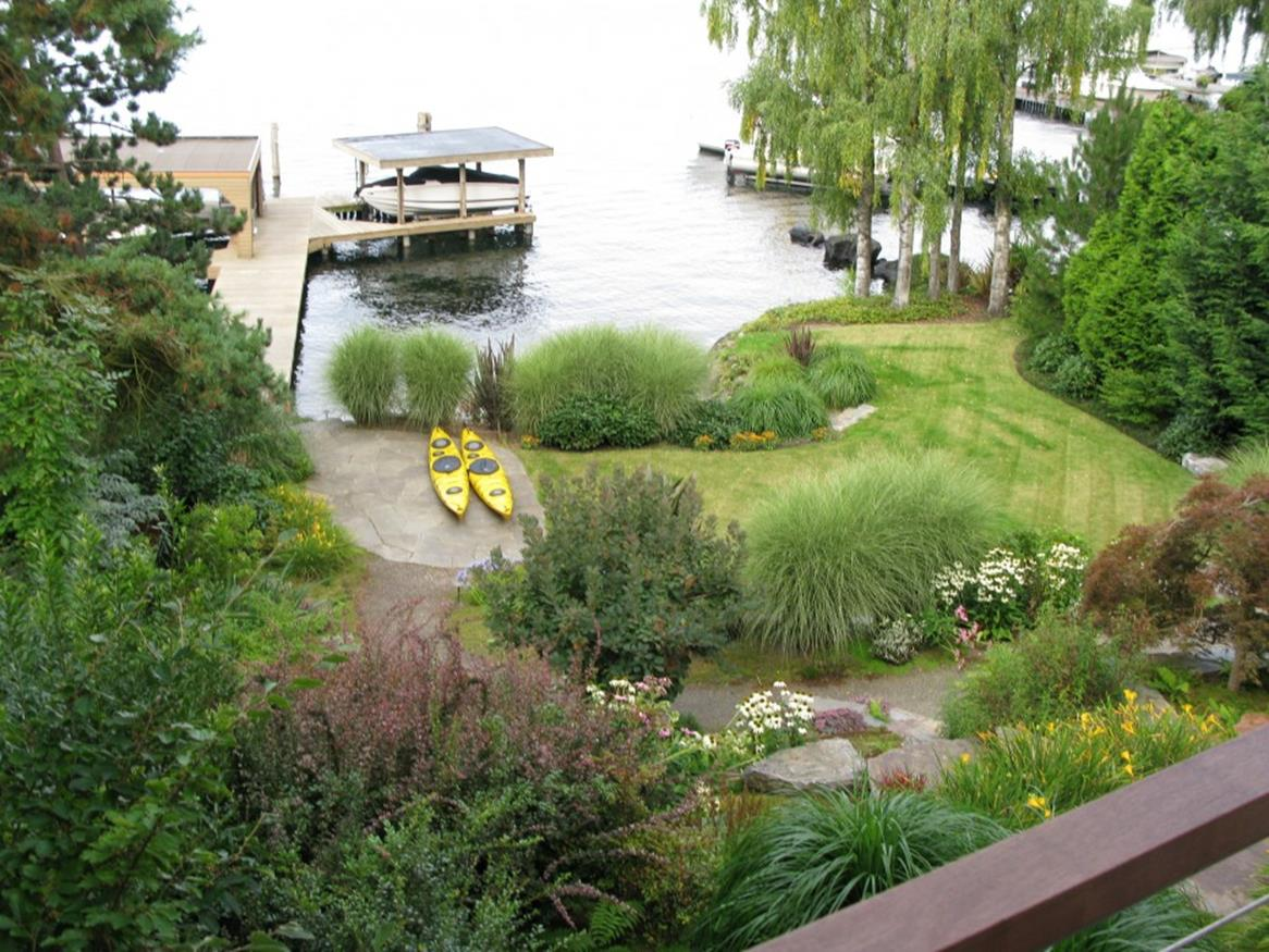 Lakefront Property Landscaping Ideas 14