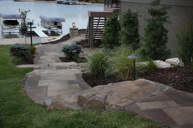 Lakefront Property Landscaping Ideas 29