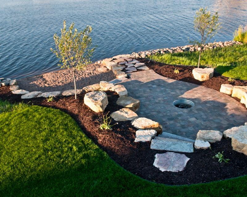 Lakefront Property Landscaping Ideas 8