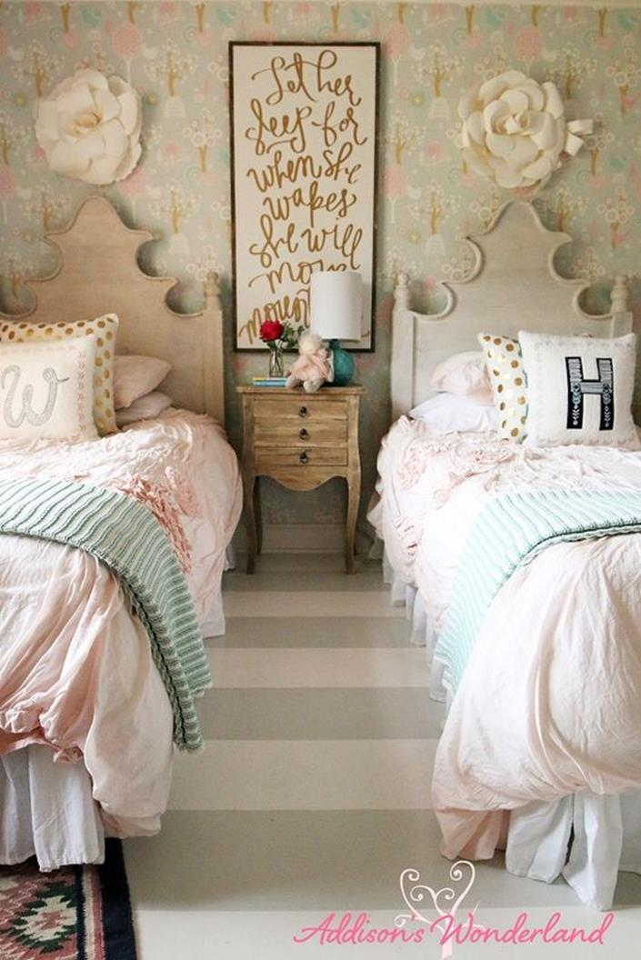 Vintage Girl Bedroom Decorating Ideas 19