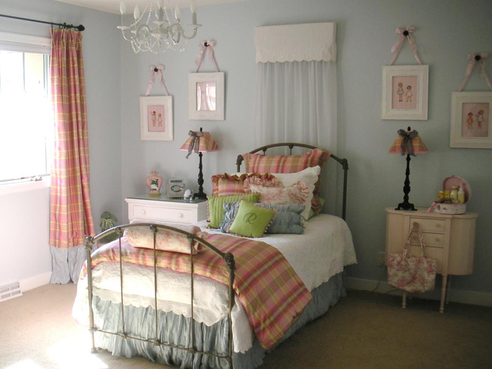Vintage Girl Bedroom Decorating Ideas 27