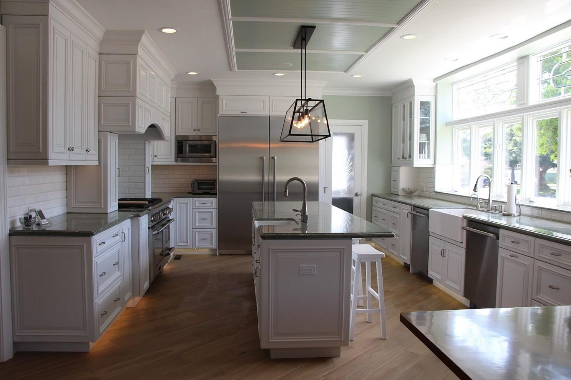 Light Grey Kitchen Cabinets Ideas 36