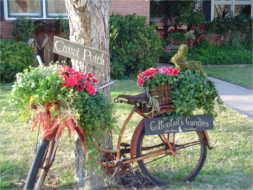 42 Amazing Ideas Country Garden Decor 22 Old Bicycle Garden Decor 1