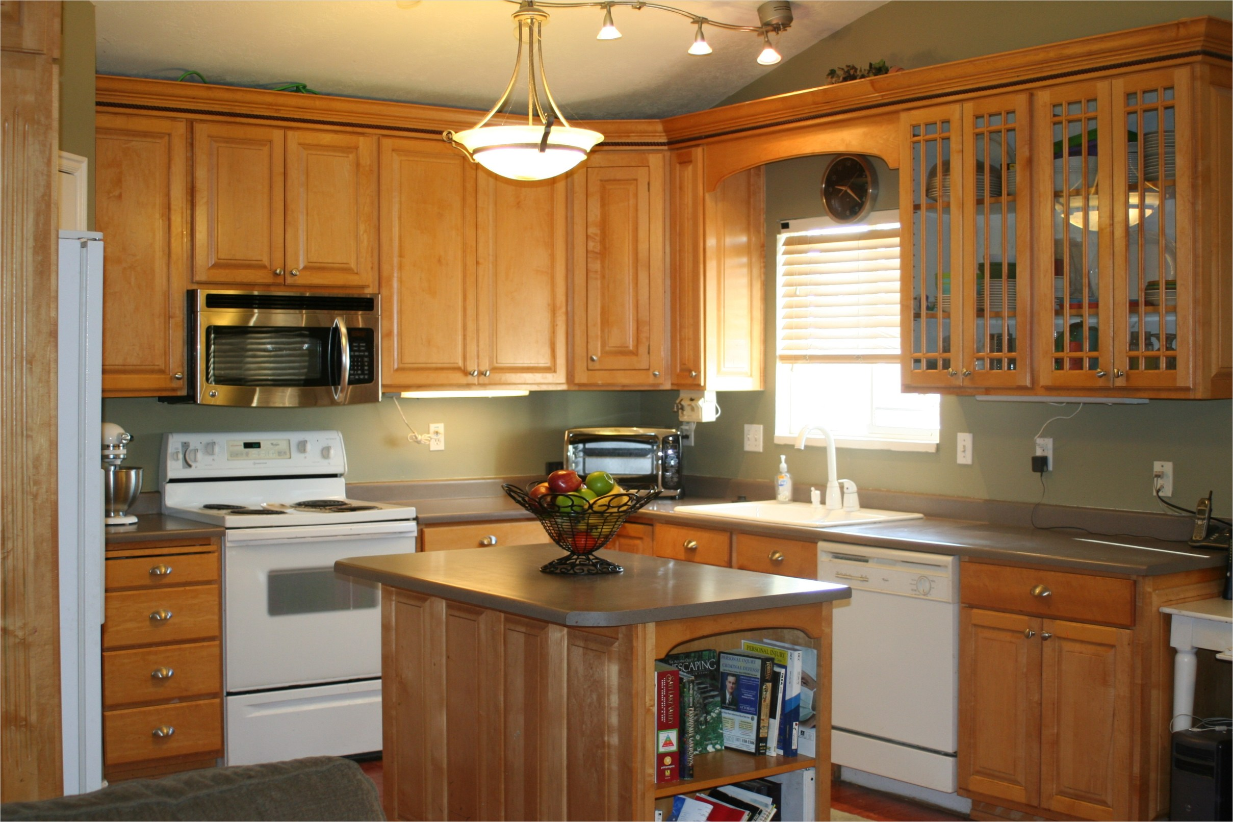 Kitchen with Maple Cabinets Color Ideas 37 Kitchen Lake forest Park Residence 109 Kitchen Color Ideas with Maple Cabinets Ahhualongganggou 5