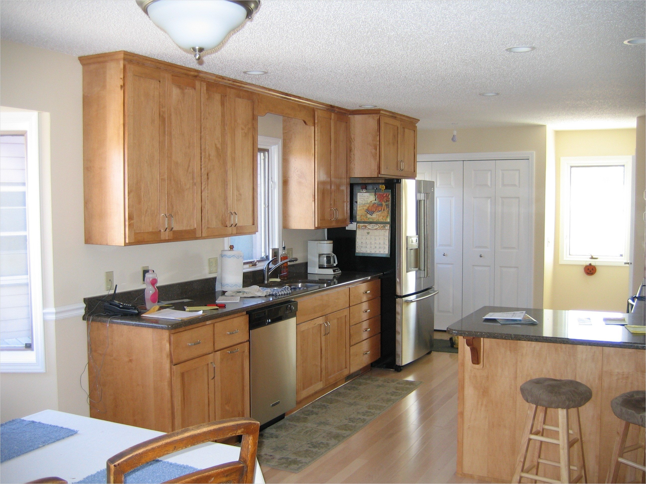 Kitchen with Maple Cabinets Color Ideas 34 Kitchen Kitchen Color Ideas with Maple Cabinets Trash Cans Bakeware Table Linens Pot Racks 2