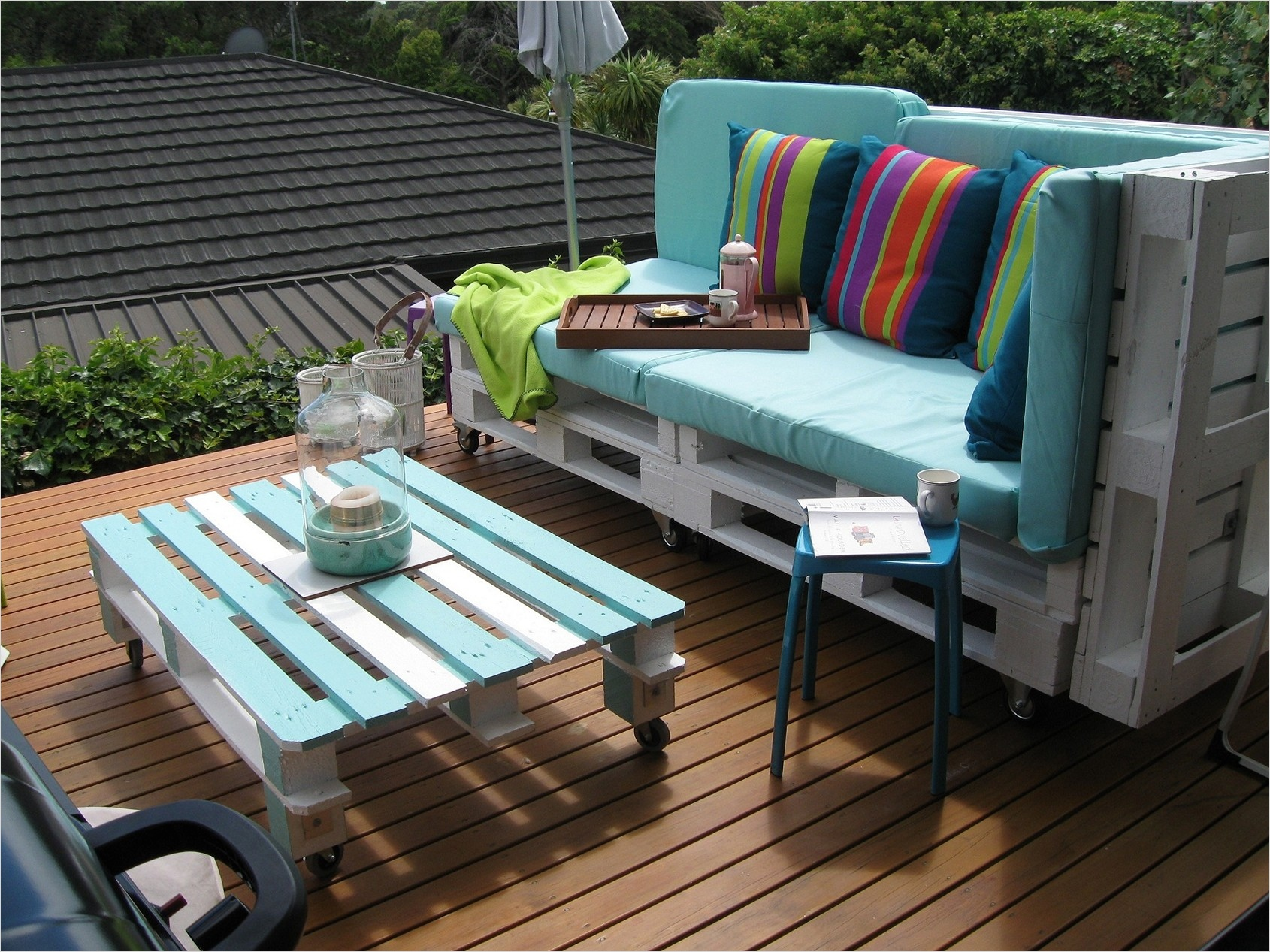 40 Diy Ideas Outdoor Furniture Made From Pallets 38 Pallet Outdoor Furniture Practical yet Chic Ideas 8