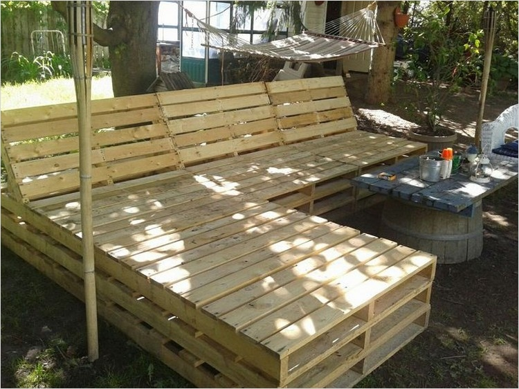40 Diy Ideas Outdoor Furniture Made From Pallets 74 Patio Furniture Made Out Of Pallets 5