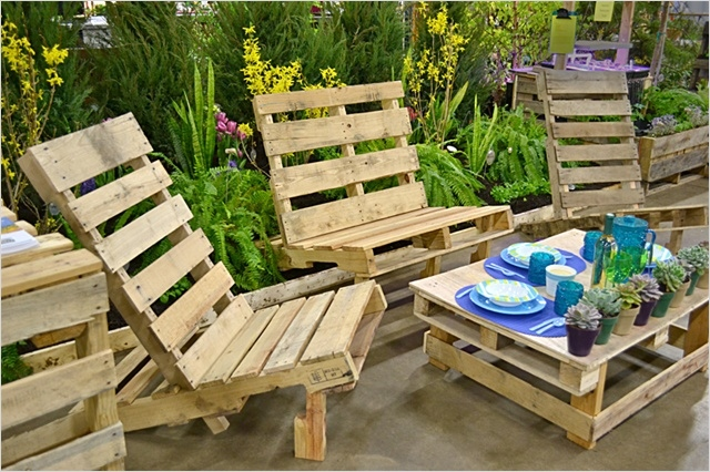 40 Diy Ideas Outdoor Furniture Made From Pallets 72 8 Revamp Pallet Ideas for Outdoors 5