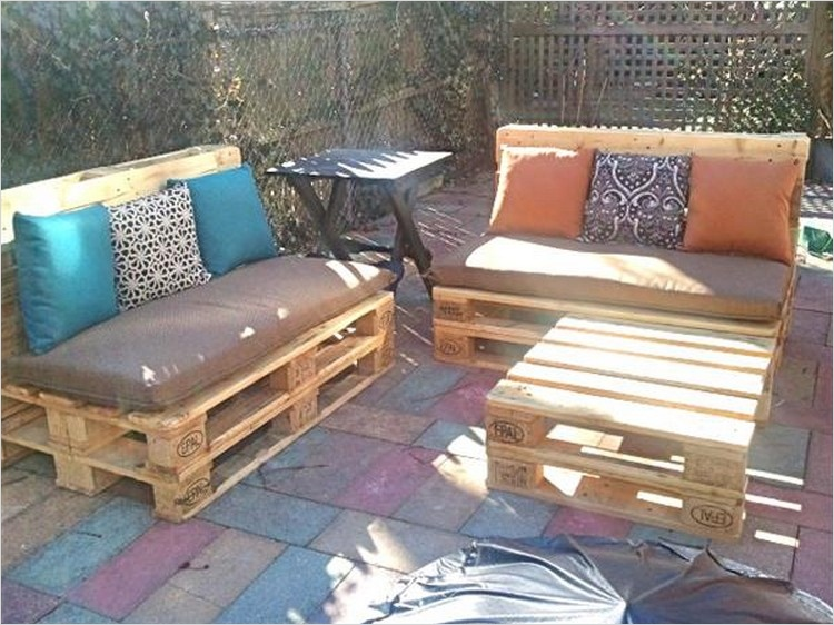 40 Diy Ideas Outdoor Furniture Made From Pallets 75 Patio Furniture Made Out Of Pallets 8