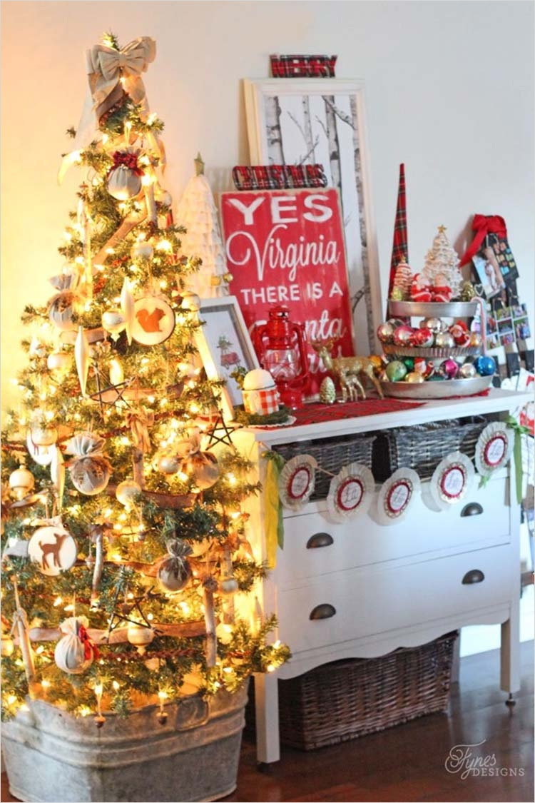 41 Amazing Country Christmas Decorating Ideas 74 40 Fabulous Rustic Country Christmas Decorating Ideas 7