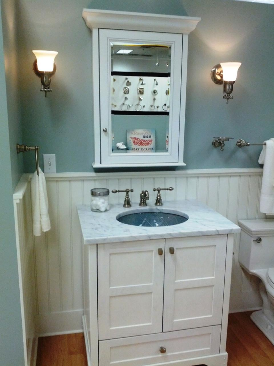 42 Perfect Small Bathroom Decorating Ideas 22