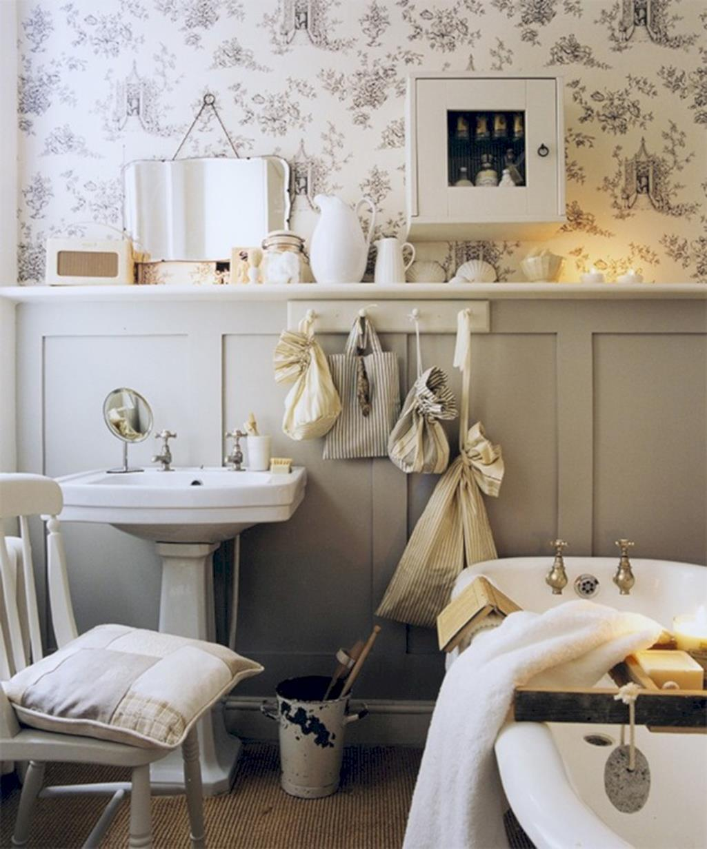 42 Perfect Small Bathroom Decorating Ideas 34