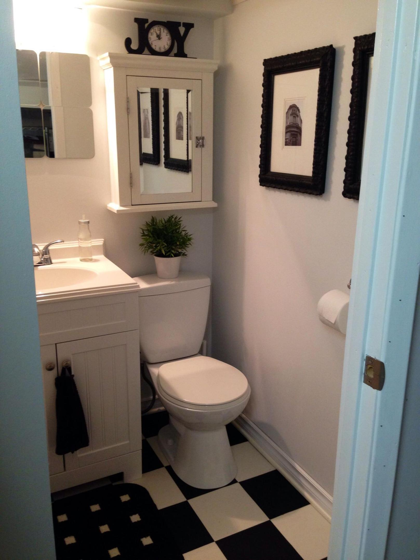 42 Perfect Small Bathroom Decorating Ideas 4