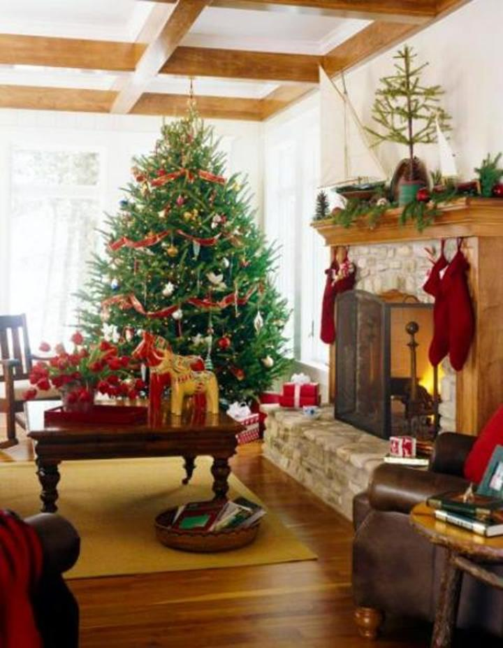 50 Stunning Living Room Christmas Decorating Ideas 57