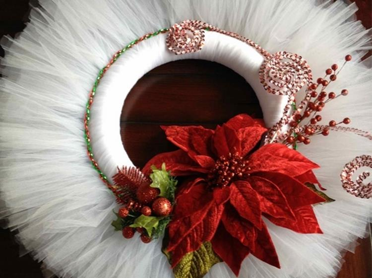 Best 40 DIY Christmas Wreath Ideas 44