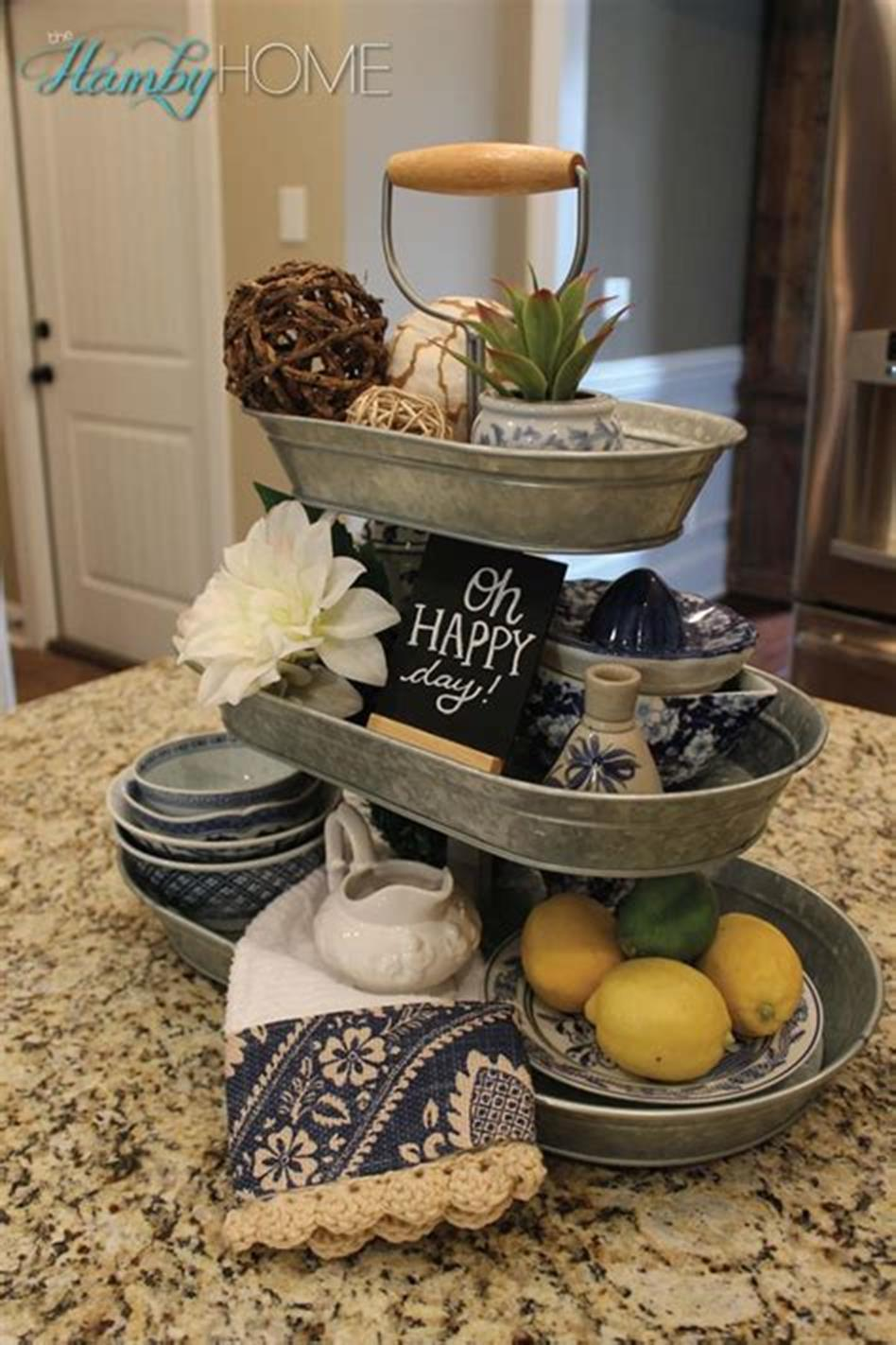 40 Beautiful Farmhouse Style Tray Decor Ideas 34