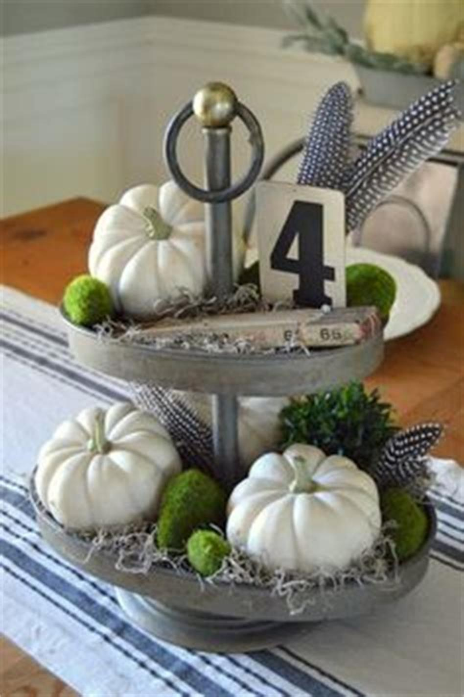 40 Beautiful Farmhouse Style Tray Decor Ideas 48