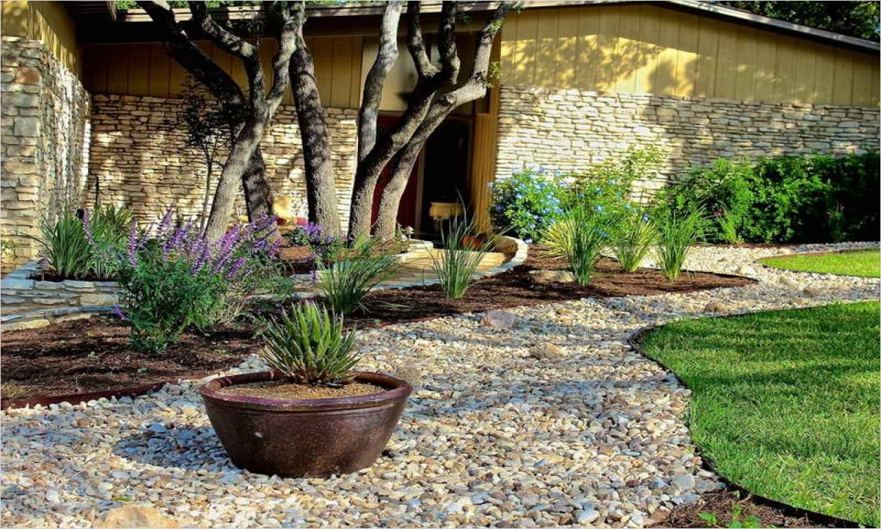 35 Perfect Front Yard Landscaping Ideas with Rocks 95
