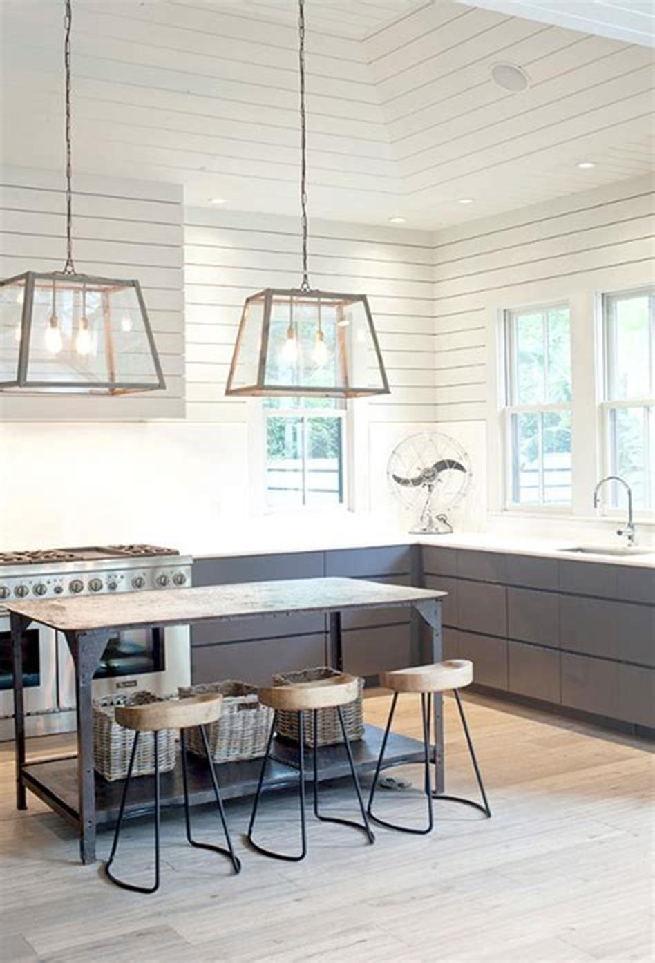 50 Inspiring Farmhouse Style Kitchen Lighting Fixtures Ideas 22