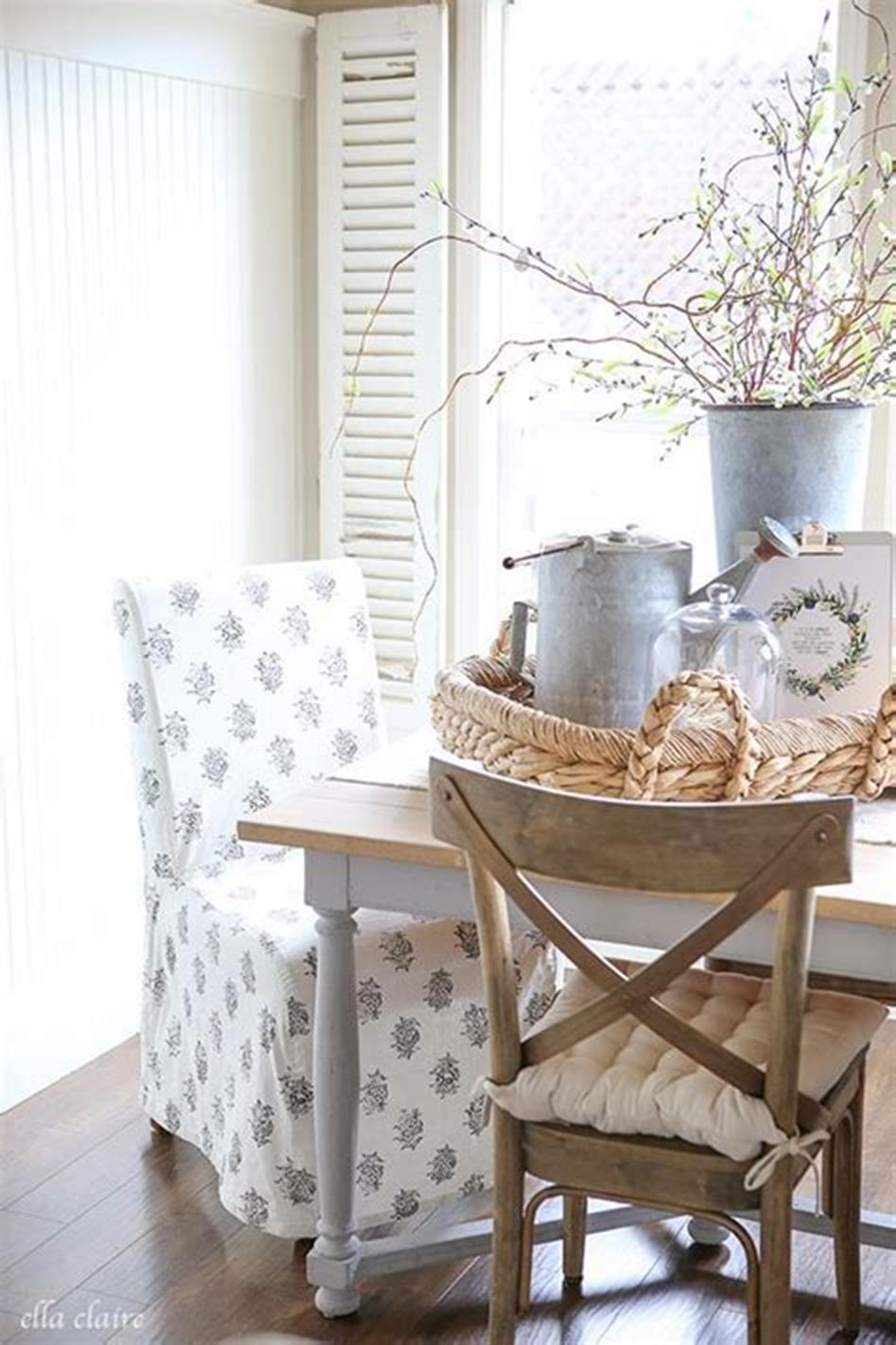 37 Beautiful Farmhouse Spring Decorating Ideas On a Budget for 2019 11