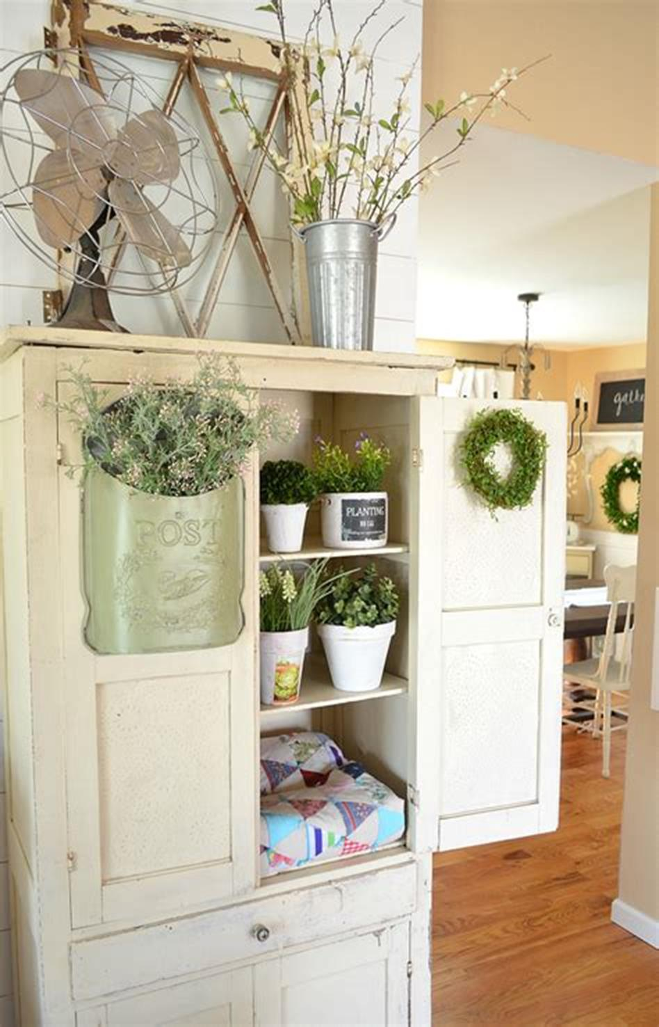 37 Beautiful Farmhouse Spring Decorating Ideas On a Budget for 2019 53