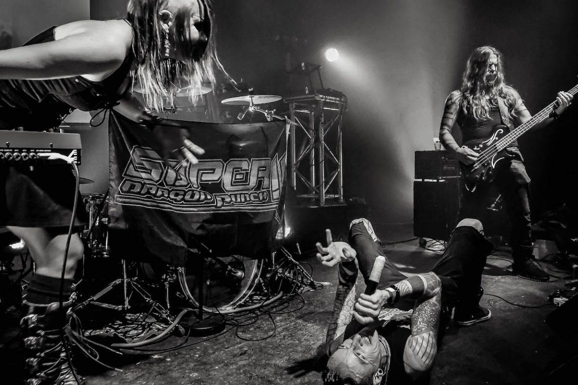 Super Dragon Punch!! - Magasin 4 Brussel - (c) Stephan Vercaemer