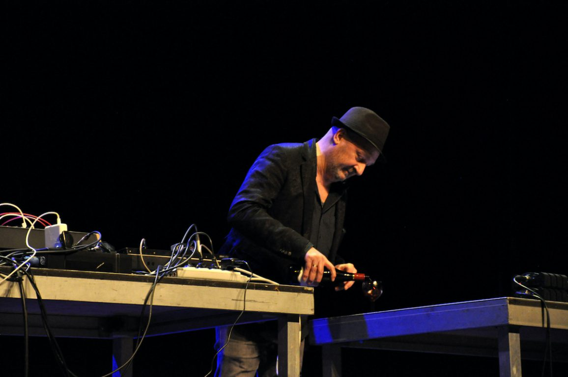 Didah Drieghe tijdens de Andre Stordeur Tribute in het Antenna Festival in Evergem