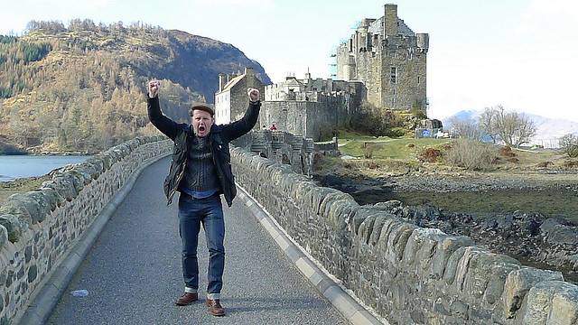 Good Food Revolution's Jamie Drummond discovers that the Dalmore distillery at Eilean Donan is closed for the bank holiday.