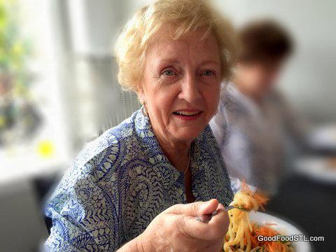 Jean Carnahan, food blogger, GoodFoodSTL.com