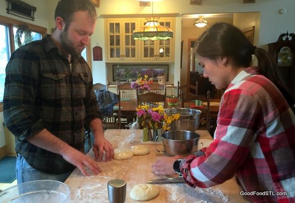 Austin and Summer make pizza