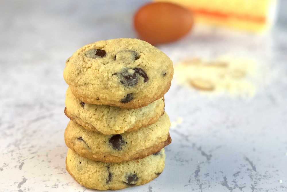 Gluten-Free Almond Flour Chocolate Chip Cookies header