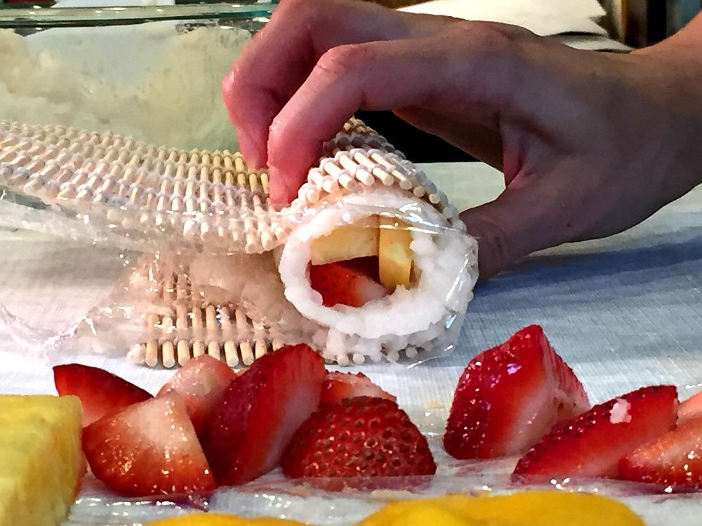 Fruit Sushi Roll 11 Rolling