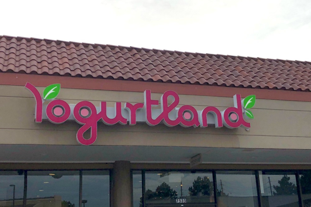 Yogurtland header