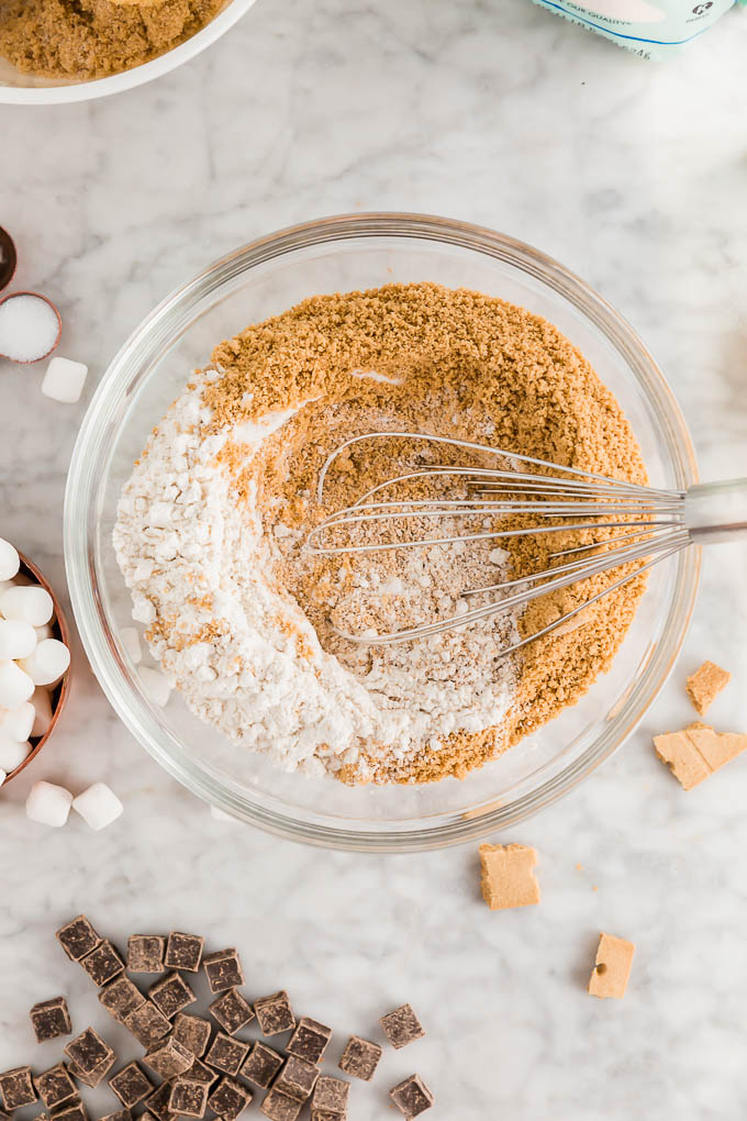 gluten-free s'mores cookies dry ingredients mixed together